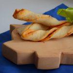 Grissini pomodoro e origano con pasta per pizza