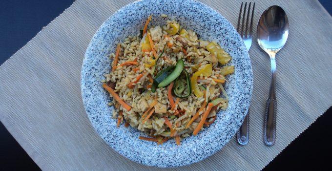 Riso integrale con verdure e tofu