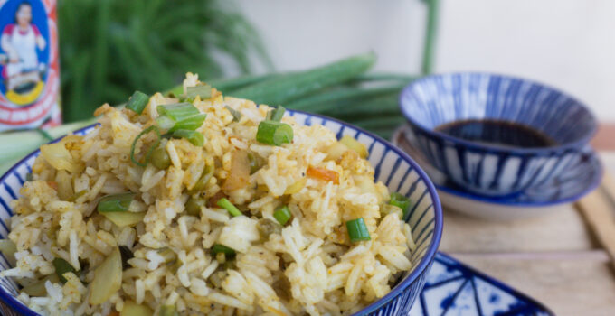 Riso cinese saltato al curry